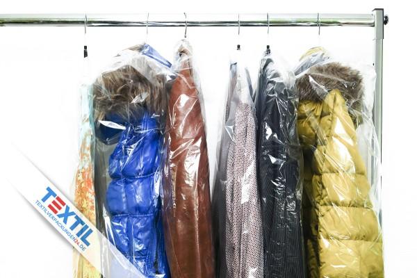 Kleiderschutzhüllen auf Rolle